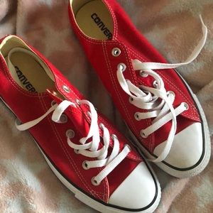Red converse lowtop sneakers size 9